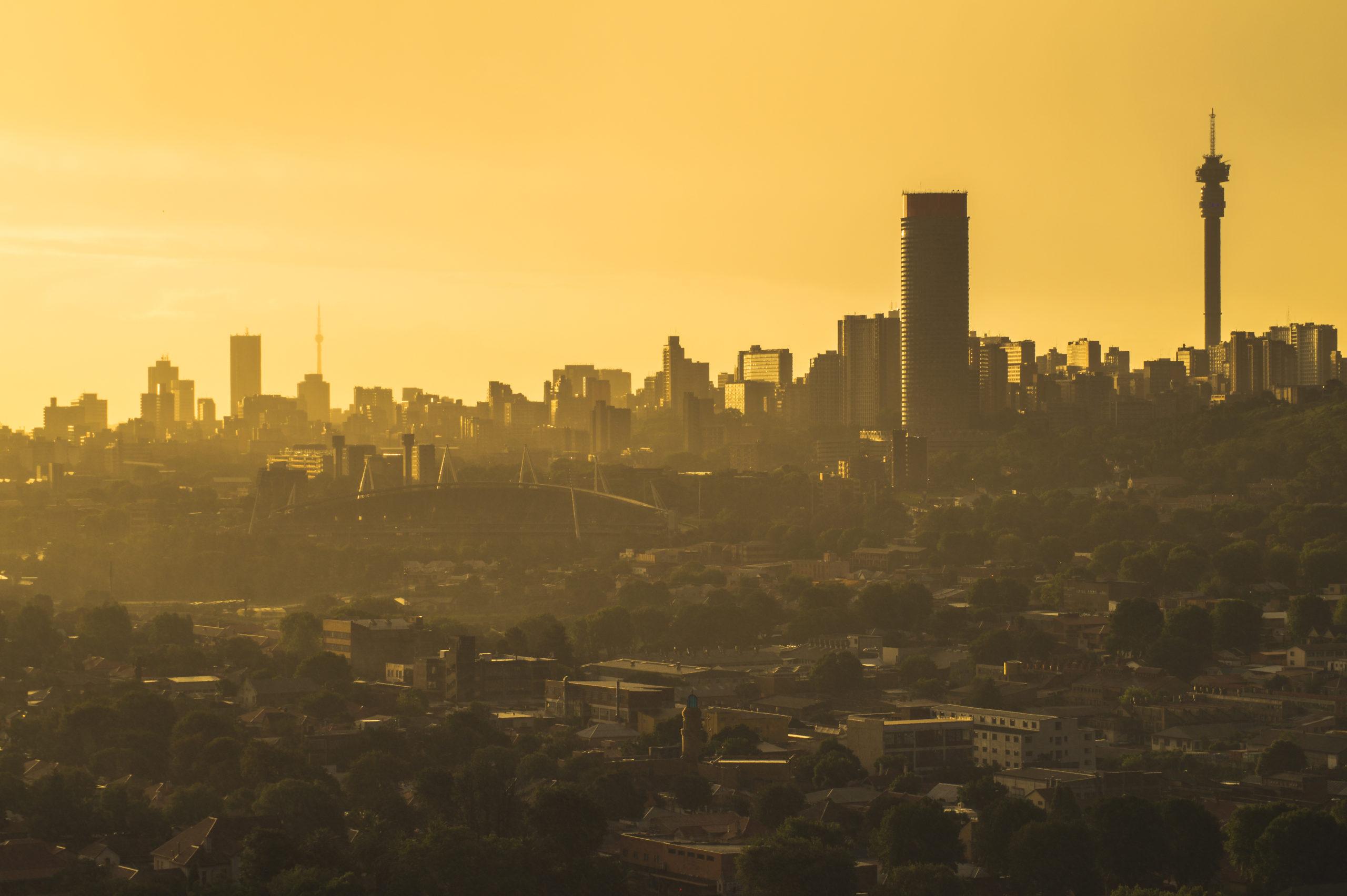 Johannesburg i solnedgång